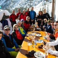scialpinismo gruppo a tavola