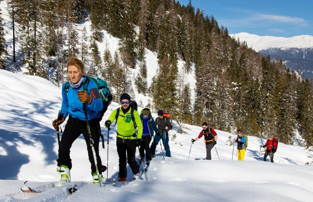 scialpinismo gruppo in salita