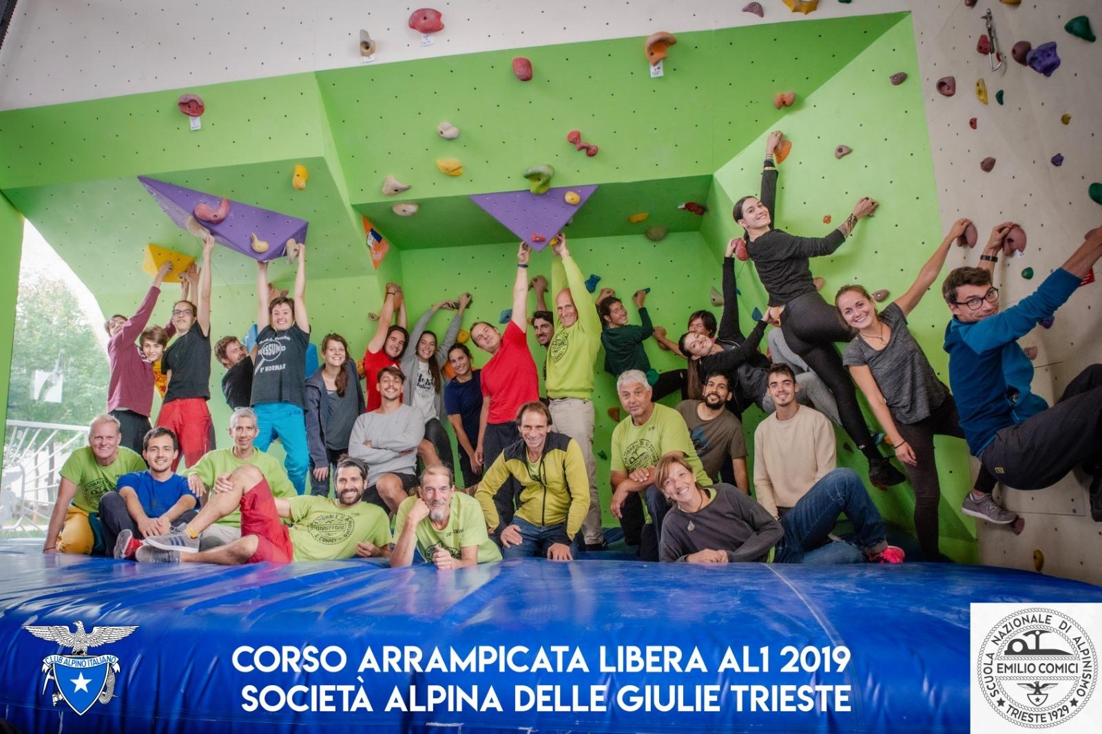 comici AL1 indoor 2019 foto di gruppo ok 01