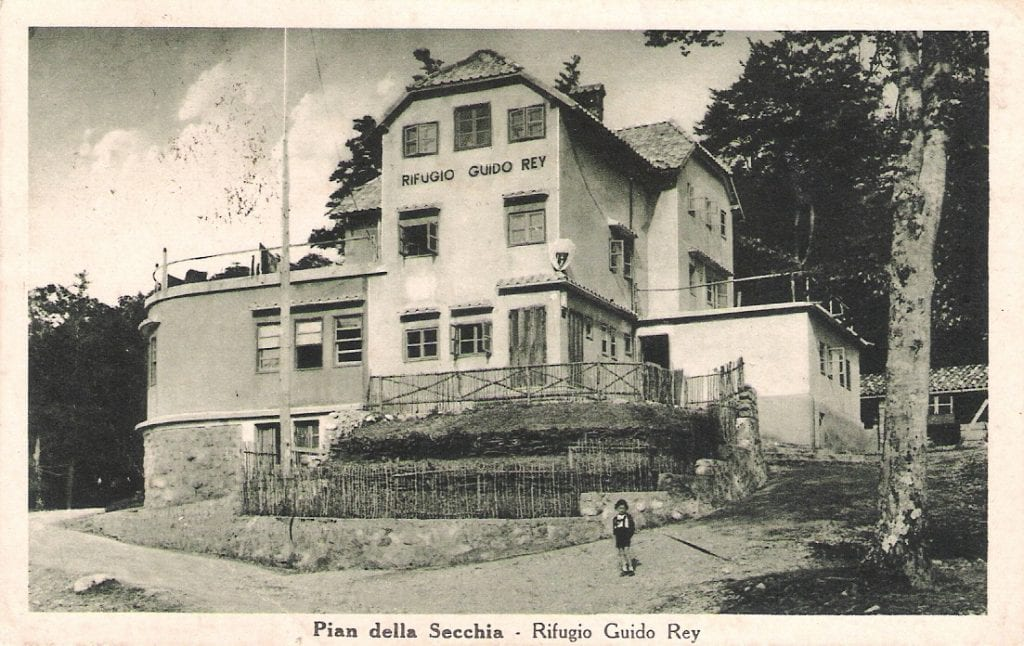 Il Rifugio Guido Rey (archivio P. de Schulthaus)