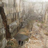 TAM 07_in cava con grotta